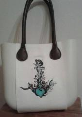 Embroidered bag with old anchor design