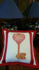 Embroidered cushion with key to the heart free design