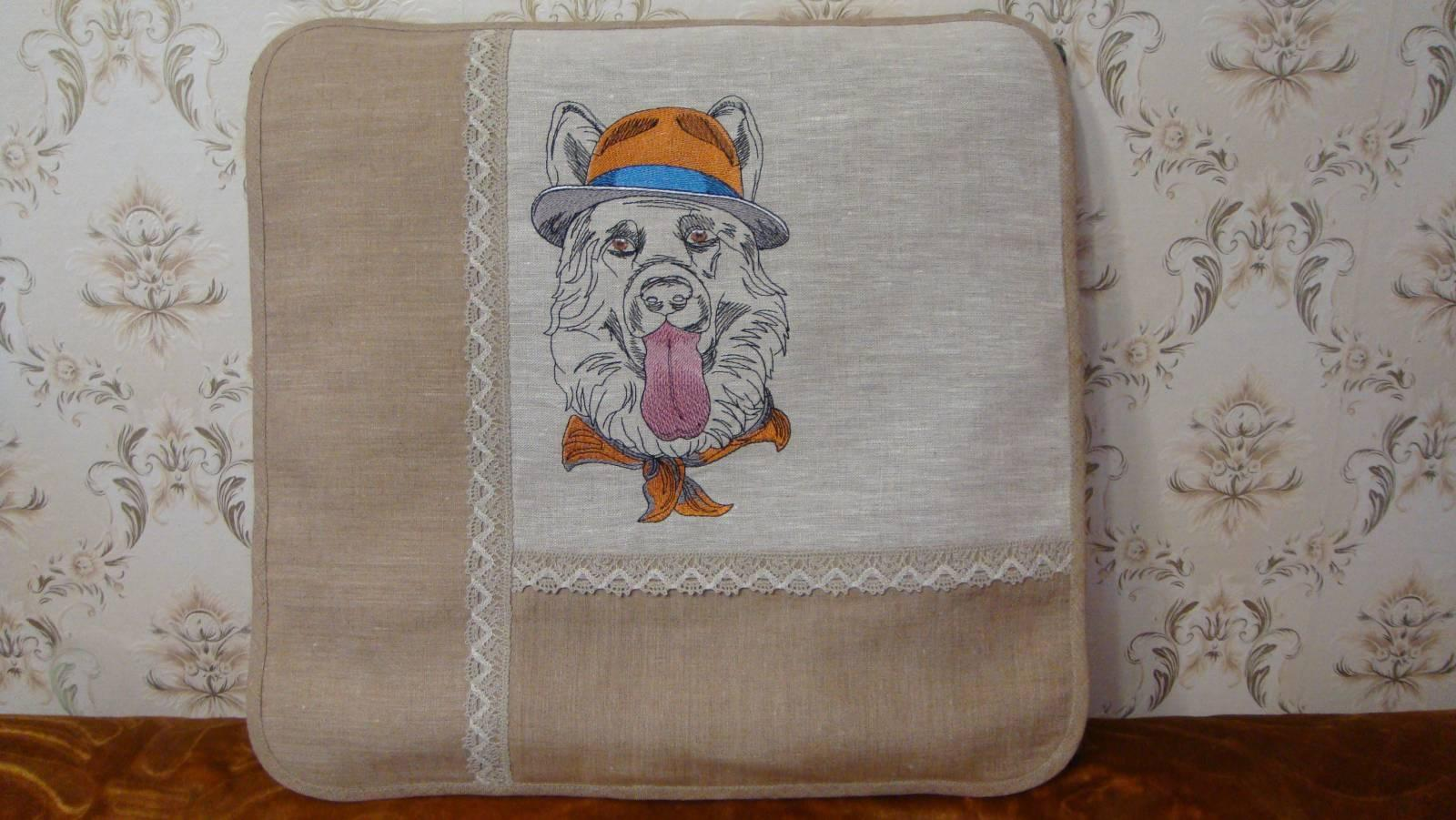 Seat cushion with German Shepherd with hat machine embroidery design