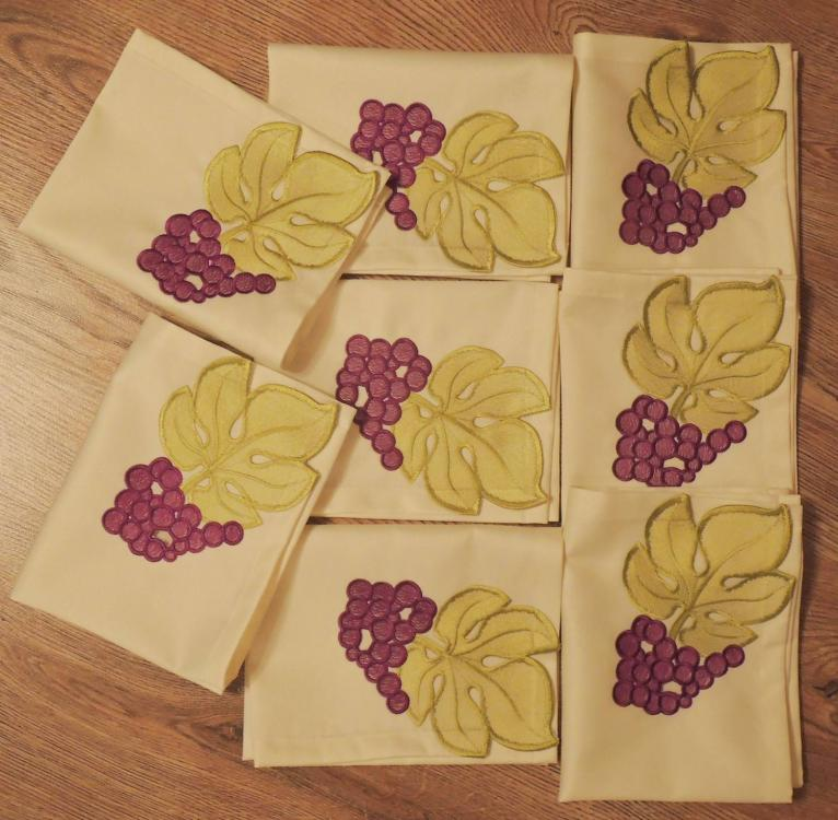 Napkins with free grape embroidery design