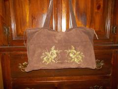 Free flower pattern machine embroidery design on the bag