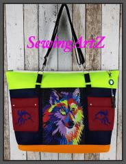 Embroidered bag with colorful wolf free design