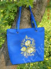 Embroidered bag with flower bouquet design