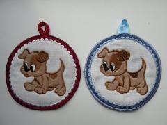 Embroidered potholders with funny puppies free applique