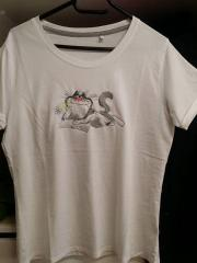 Embroidered t-shirt with reading cat free design