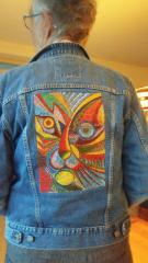 Embroidered jacket wih abstract cat free design