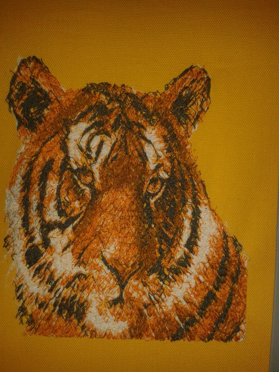 Tiger's head embroidery design