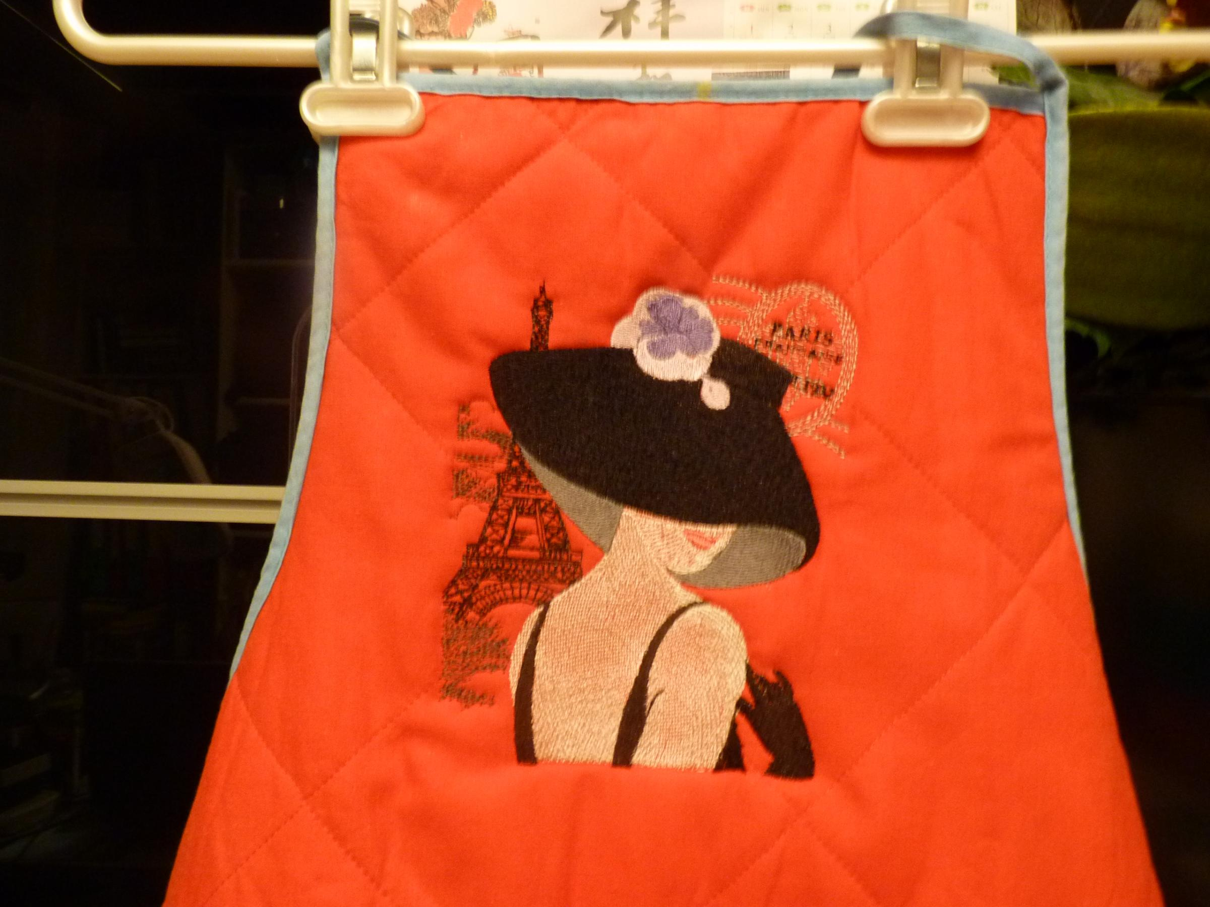 Embroidered apron with French coquette design