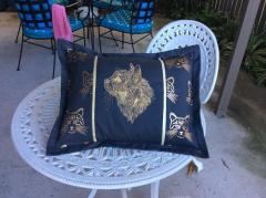 Embroidered cushion with Mosaic cat design