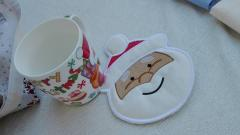 Embroidered potholder with Santa claus free design