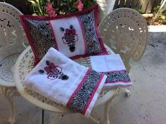 Embroidered set with zebra in glasses free design