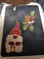 In hoop Christmas dwarf and bird embroidery design