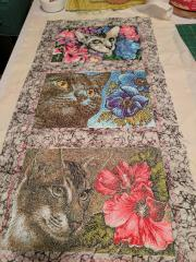 Embroidered wall carpet with cats free designs