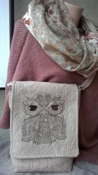 Embroidered bag with lace owl design