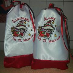 Embroidered gift bags Christmas presents design