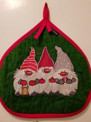 Embroidered potholder with Christmas dwarves design