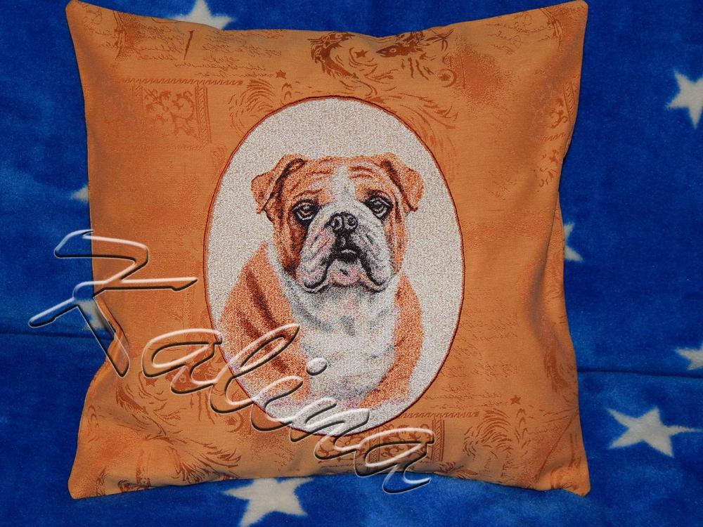 Cushion with boxer dog photo stitch free embroidery design