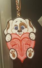 Embroidered applique dog on the loop free design