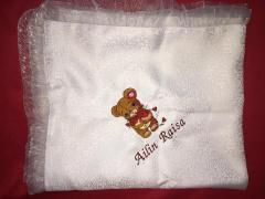 Embroidered napkin with Shy Teddy bear design