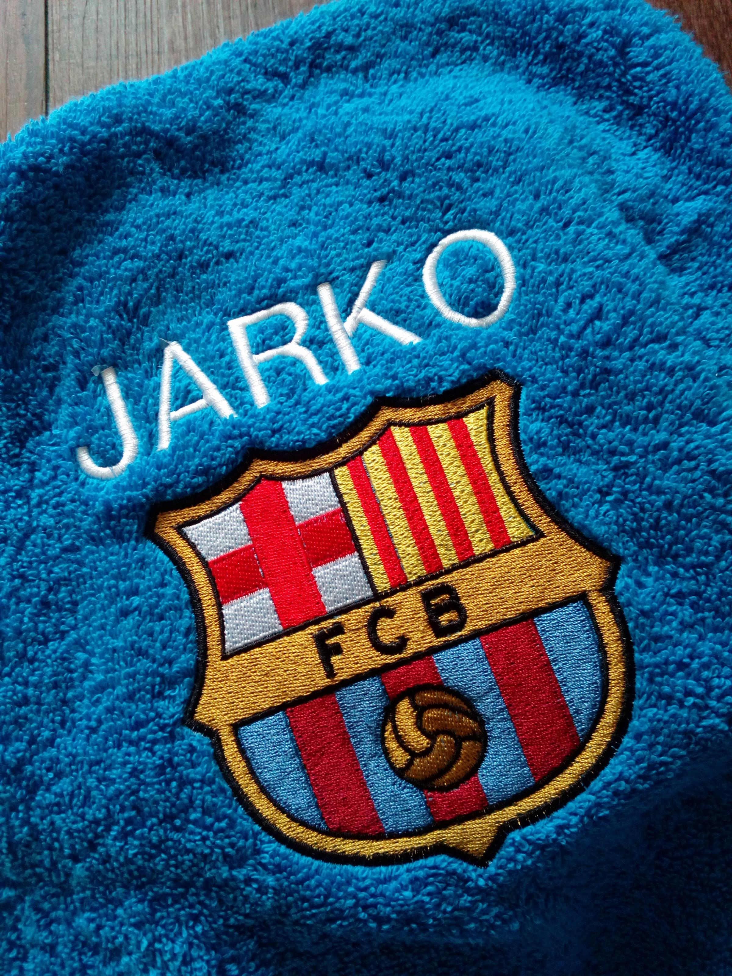 Embroidered towel with Barcelona FC logo