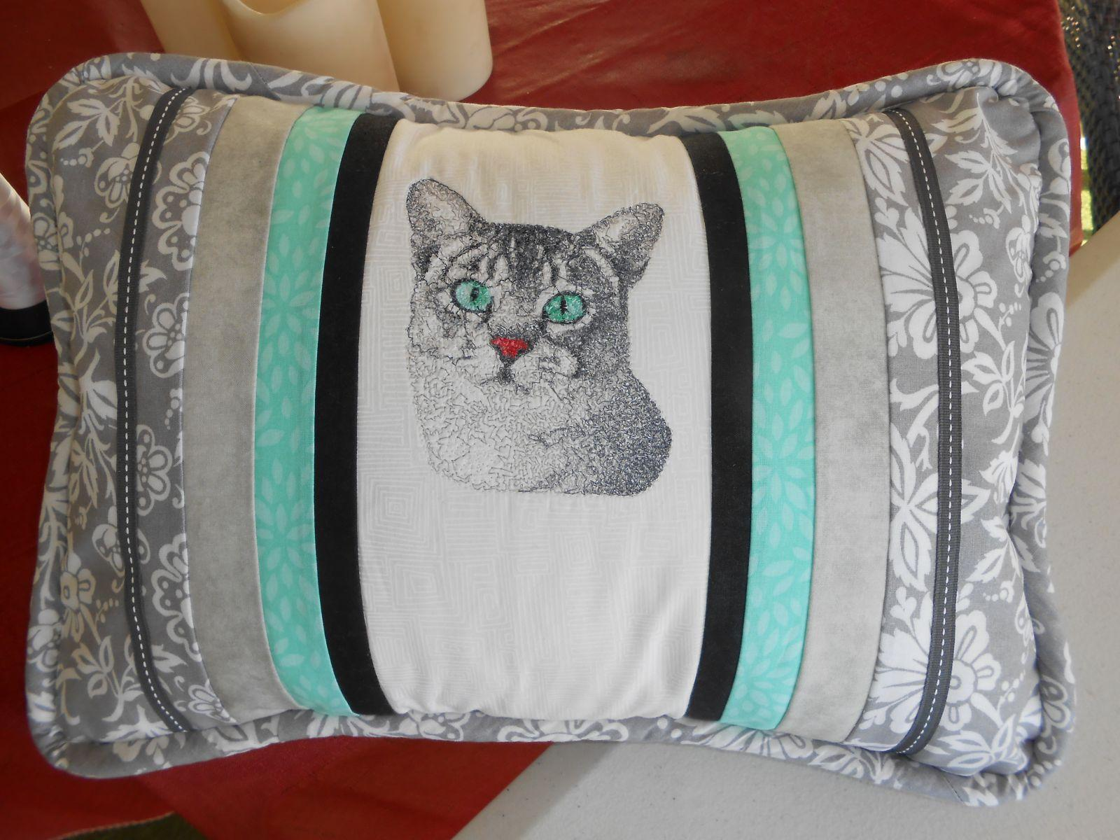 Kitten Pillow 1 with photo stitch