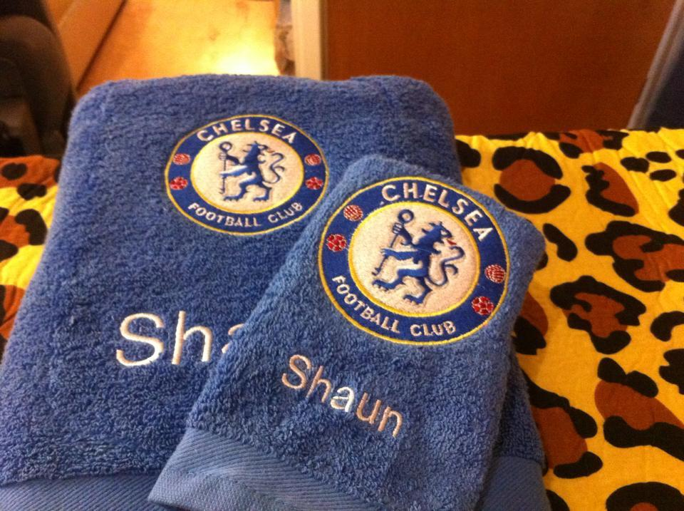 Towel with Chelsea football club logo embroidery