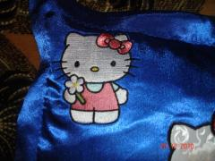 A pillow with Hello Kitty: detail