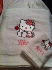 Kitchen towel with Hello Kitty embroidery