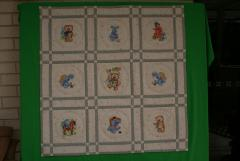 Quilt with teddy bear embroidery design