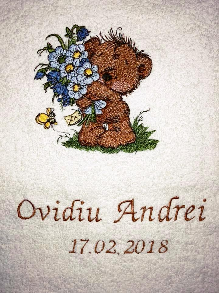Bear with flowers embroidery design