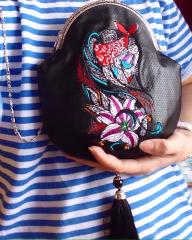 Embroidered bag Wild lily