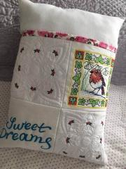 Embroidered cushion with spring bird free design