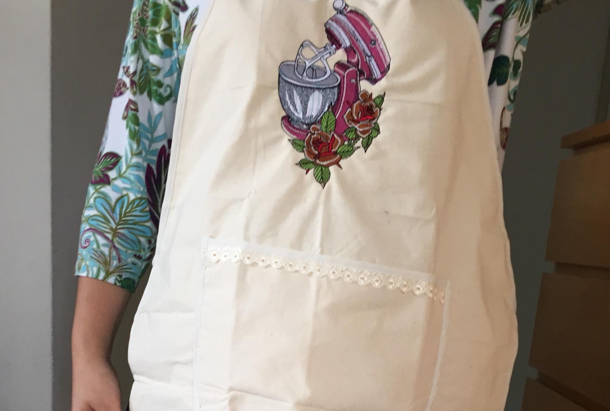 Embroidered apron retro kneading machine