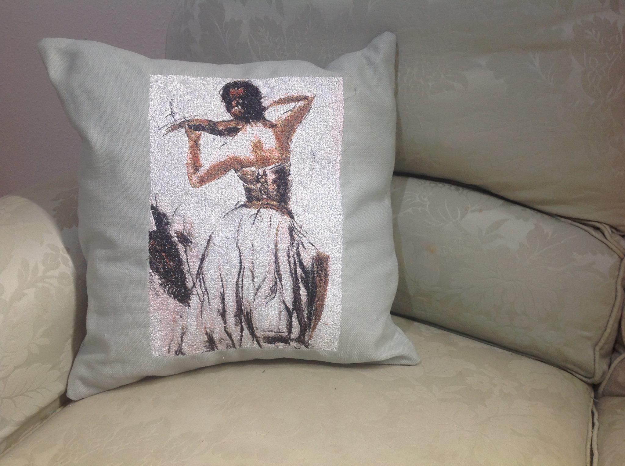 Embroidered cushion with violinist woman free design
