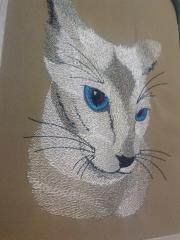 Cat with blue eyes free embroidery design