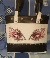 Embroidered bag breathtaking look