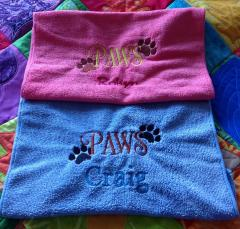 Embroidered towels with pet's paws free design