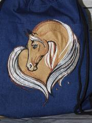 A beautiful horse on the bag macnine embroidery design