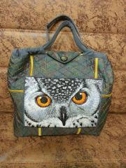 Embroidered bag with owl's photo