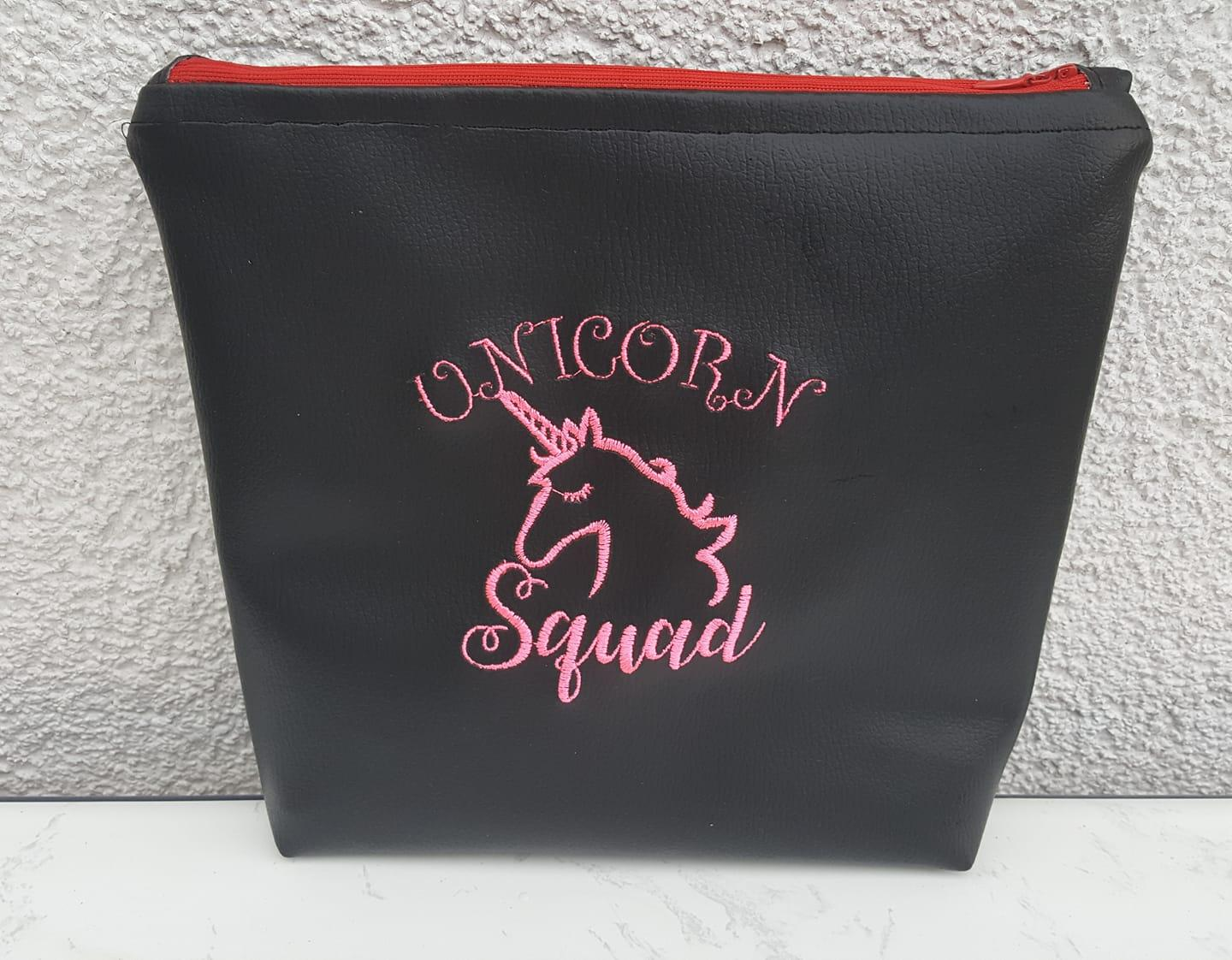 Embroidered handbag with unicorn squad free design