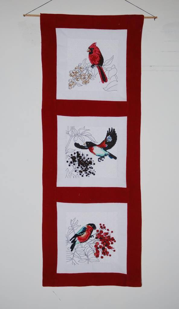 Panno with Christmas bird cross stitch free embroidery
