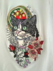 Cat in crown embroidery design