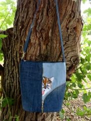 Embroidered bag with funny kitten free design