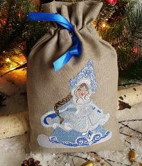 Embroidered gift bag with Snow maiden free design
