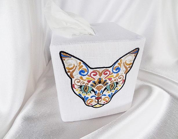 Embroidered box mexican cat