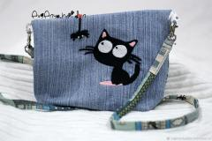Embroidered bag kitten and spider free design