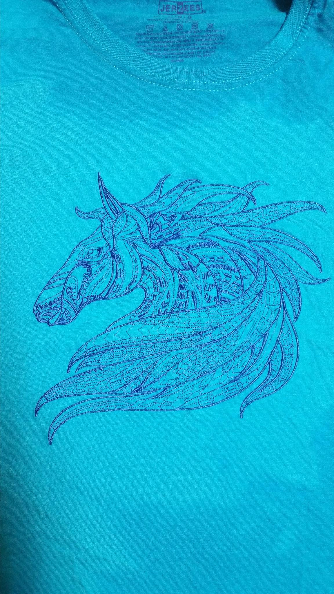 Cotton t-shirt with Mosaic horse embroidery design