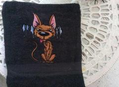 Embroidered towel with Funny cat design