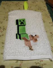Wash mitten with Minecraft creeper embroidery design