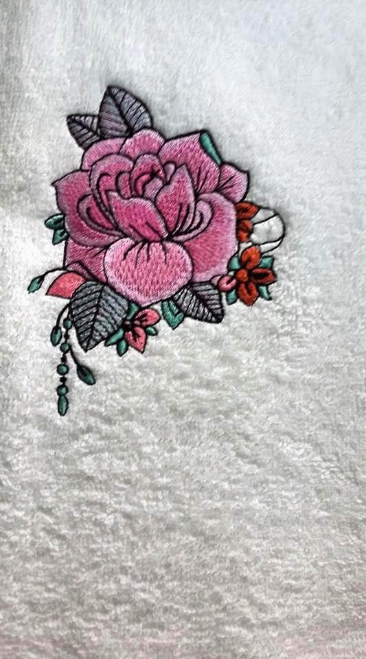 Embroidered towel with Beautiful rose design